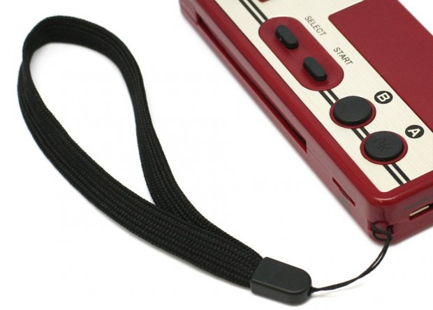 datel_famicom_controller_battery_micro_sd_card_reader_6