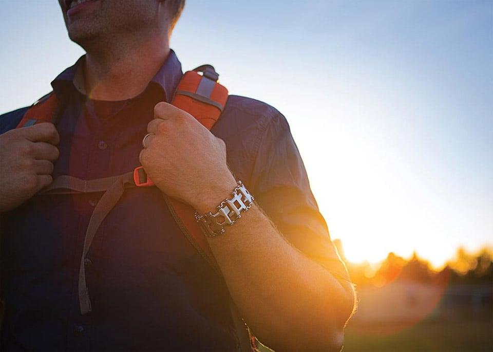 How to wear hook bracelet