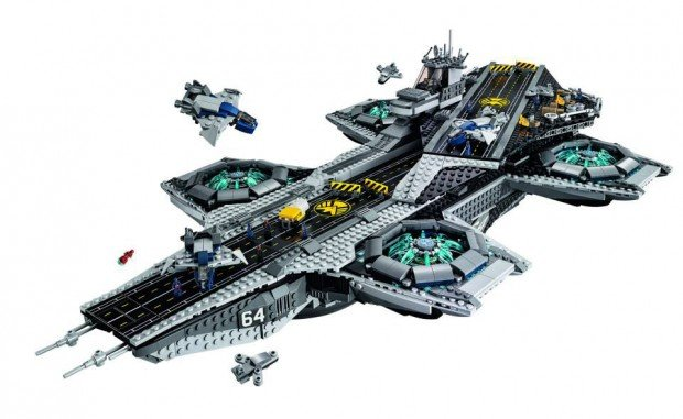 lego_ucs_shield_helicarrier_76042_2
