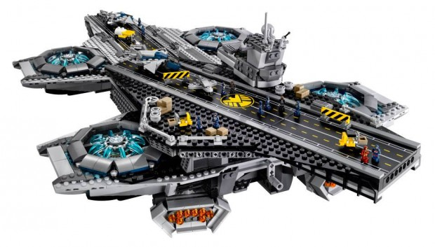 lego_ucs_shield_helicarrier_76042_3