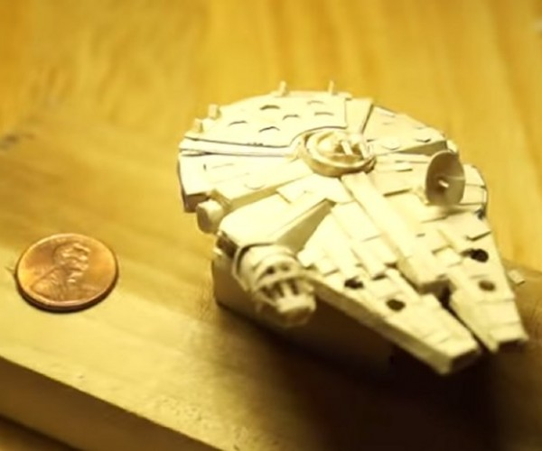 Papercraft Millennium Falcon: She May Not Look Like Much But AAAAH PAPER CUT!