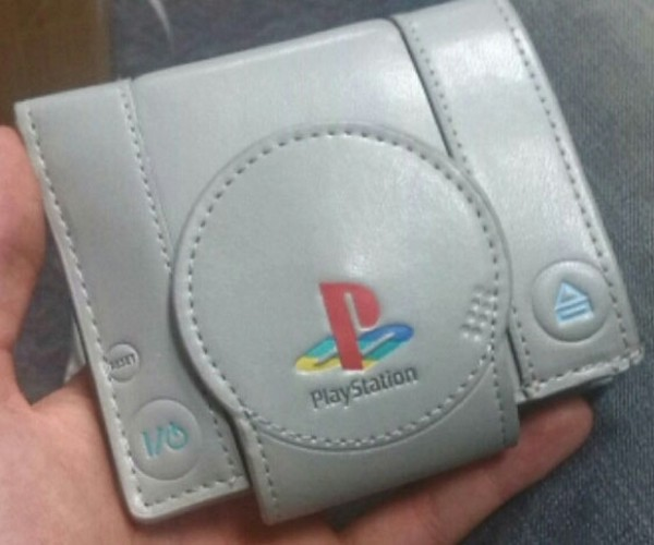 Sony Playstation Wallet: It Only Does Cash and Credit Cards