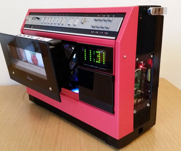 Portable VCR Turned into Raspberry Pi Media Center: Very Cool Retro Case Mod