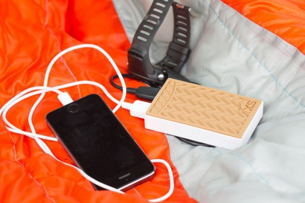 xsories_sneaker_power_bank_battery_5