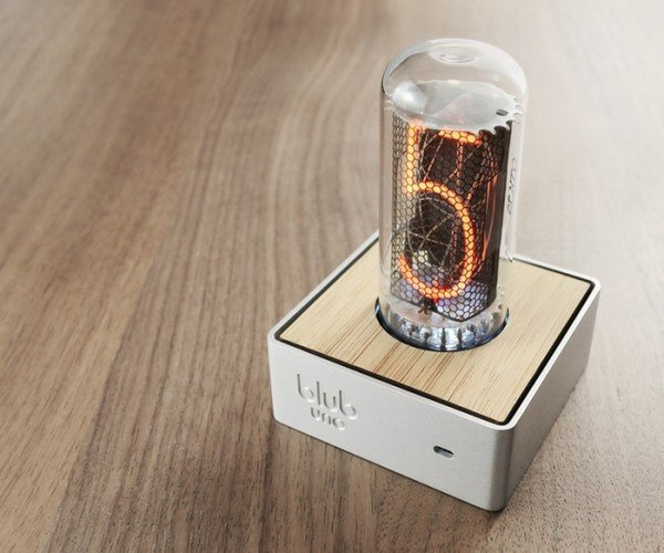 Blub Uno Clock Displays Time with One Nixie Tube