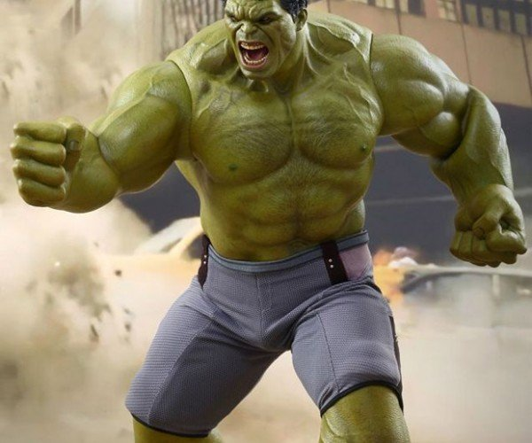 Hot Toys Hulk Collectible Figure Will Smash Wallets