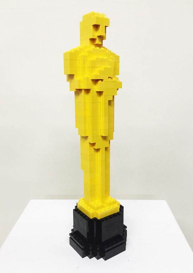 lego_oscar_statue_by_nathan_sawaya_1