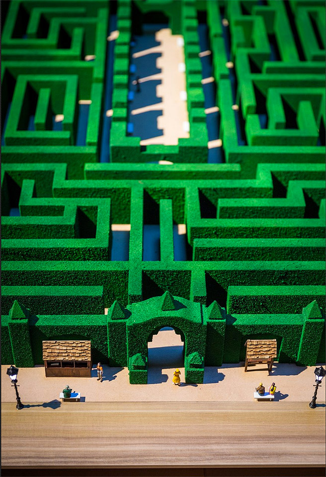 Adam Savage Builds Overlook Hotel Maze Model from The ...