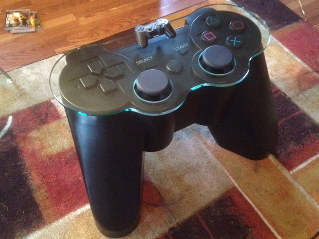 Get Off The Playstation 3 : Playstation controller table get your feet off my start