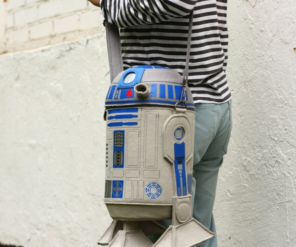 R2-D2 Felt Purse: A Real Bag of Tricks