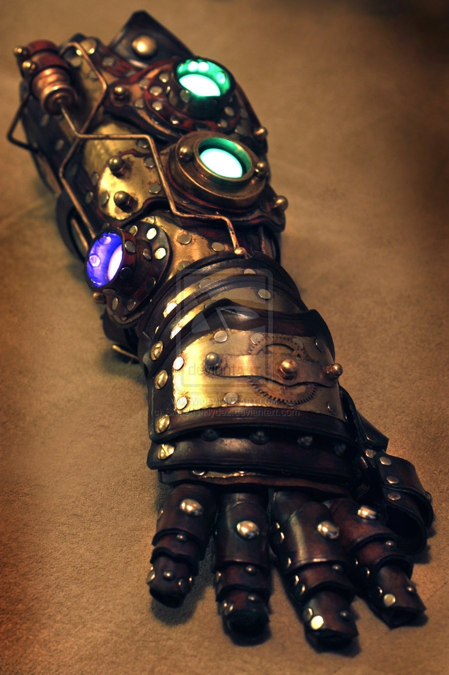 Iron man style steampunk gauntlets from tony stark 39 s arm for What is steampunk design