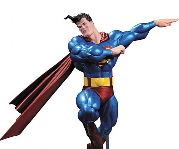 Frank Miller Superman Sculpture Looks Shiny and Jacked