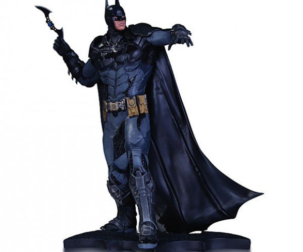 Batman Arkham Knight Statue Has a Batarang