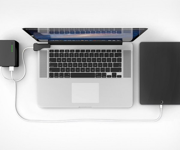 Technabob Shop Deal: BatteryBox Macbook & Mobile Device Charger