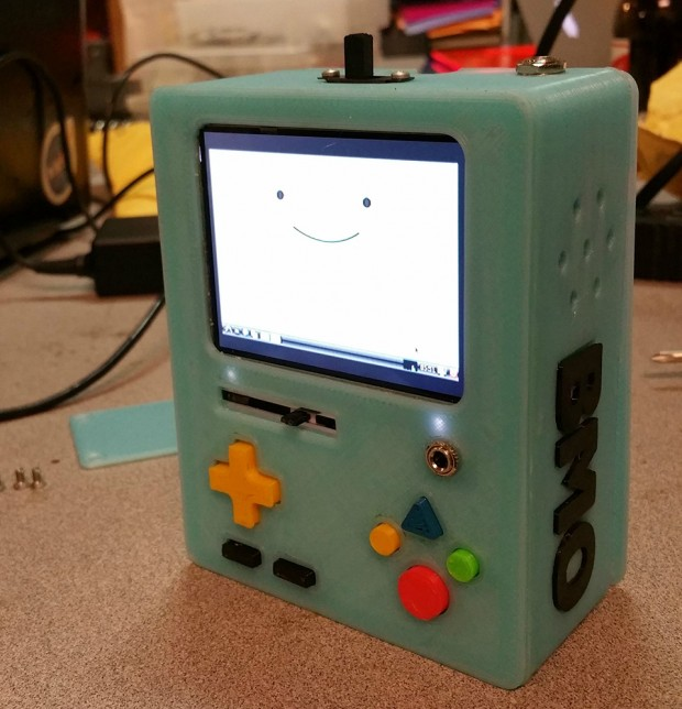 bmo_3d_printed_raspberry_pi_retro_console_by_Mike_Barretta_1