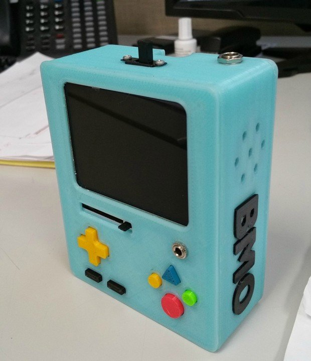 bmo_3d_printed_raspberry_pi_retro_console_by_Mike_Barretta_4