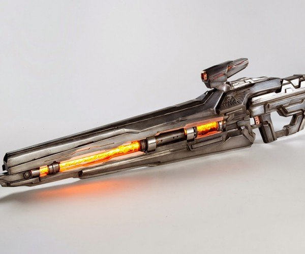Fan-made Halo 4 Light Rifle Metal Replica Weighs 28lb.: For a Fit Forerunner