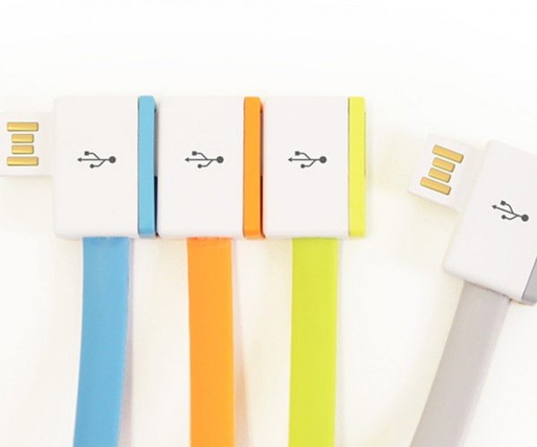 InfiniteUSB Cable Has a Built-in USB Port: Cable Centipede