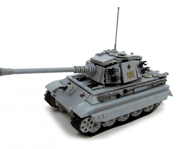 LEGO RC 1:34 King Tiger Tank: Brickskrieg