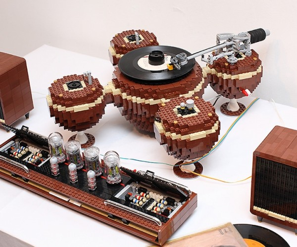 LEGO Turntable Actually Works