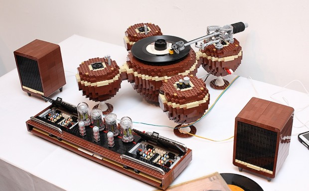 lego_turntable_1
