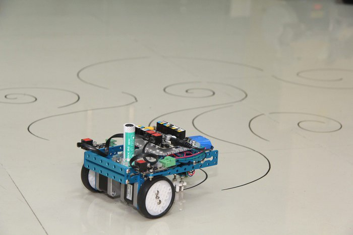 Mdrawbot in drawing robot deviant artist