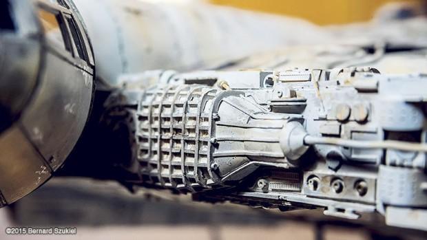 papercraft_millenium_falcon_bernard_szukiel_5