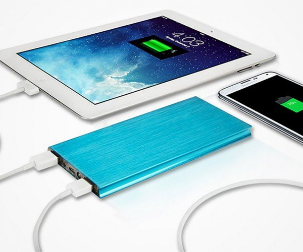 Get 72% off The Power Vault 18,000mAh Portable Battery Pack