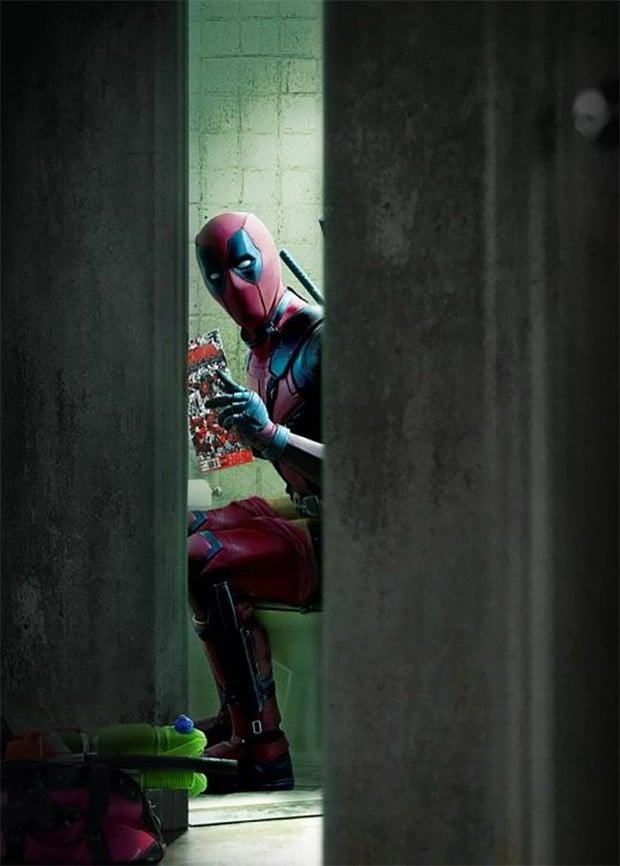 deadpool_bathroom