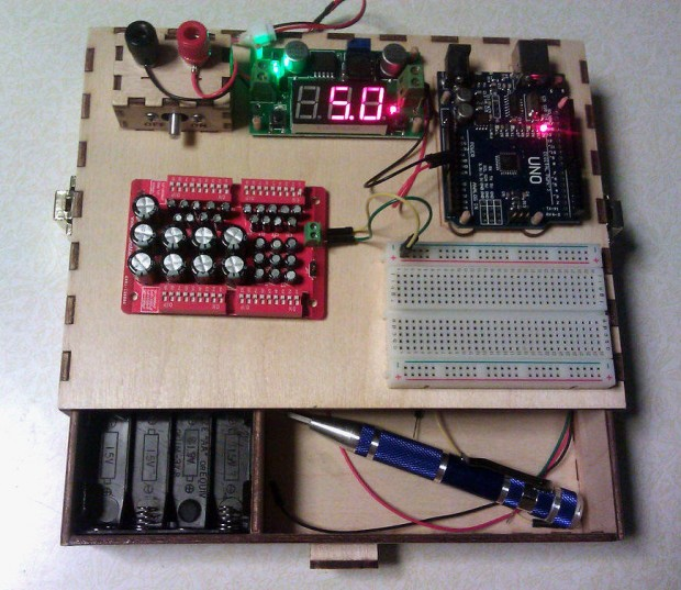 diy_portable_electronics_experiment_station_by_gizmologist_1