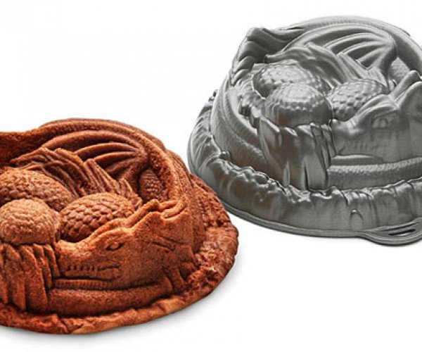 Dragon Cake Pan: Game of Birthdays