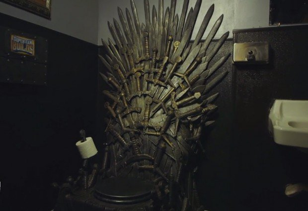game_of_thrones_iron_throne_toilet_super_fan_builds_1