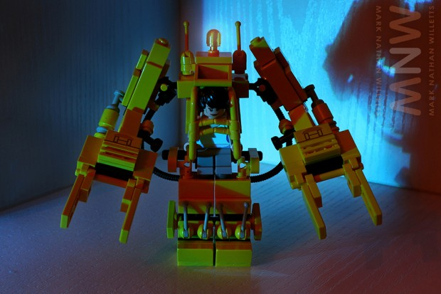 lego_alien_power_loader_set_by_mark_nathan_willetts_13