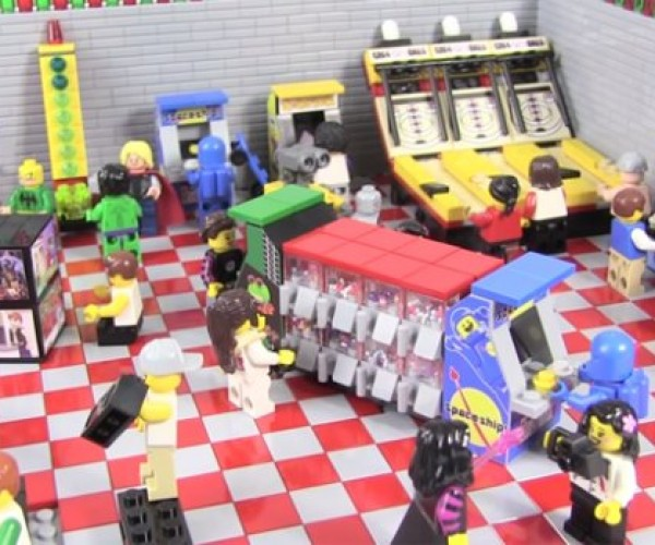 This LEGO Arcade Diorama Will Bring Back Memories