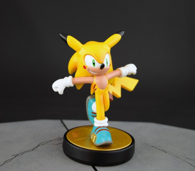 pikachu_sonic_the_hedgehog_amiibo_by_jin_saotome_3