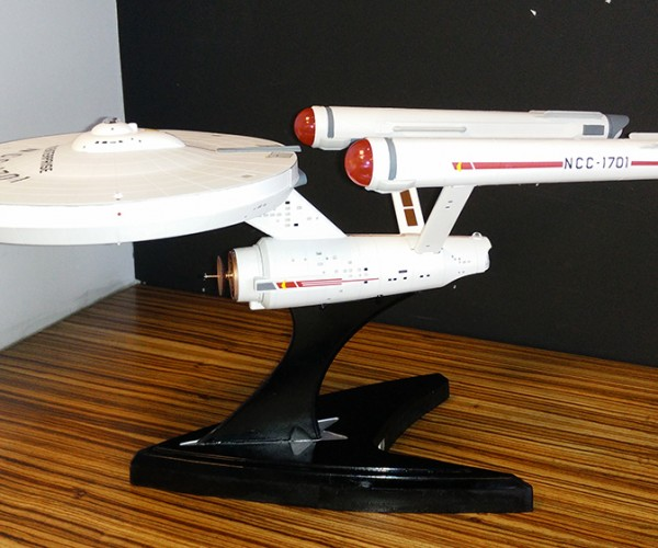 Star Trek Enterprise Access Point Casemod Goes Where No WAN Has Gone Before