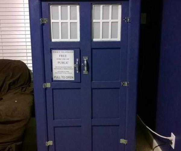 TARDIS Snack Cabinet, It's Tastier on the Inside