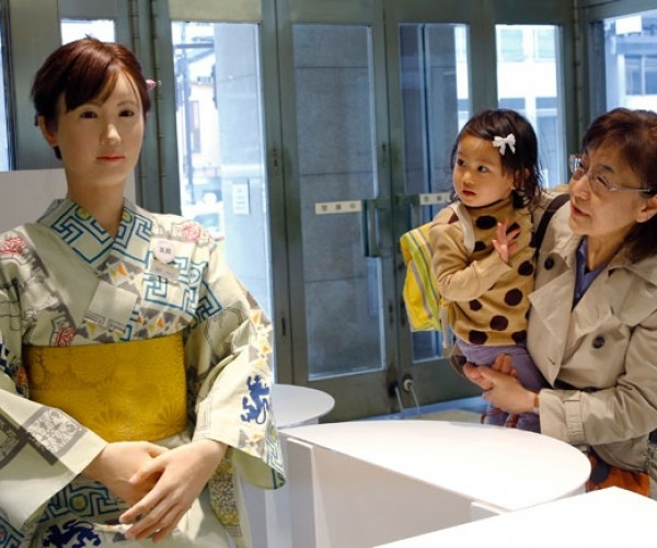 Toshiba's Aiko Chihira Humanoid Robot Gets a Retail Job