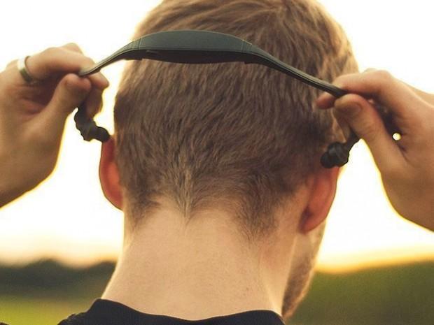active_wrap_bluetooth_headphones_1