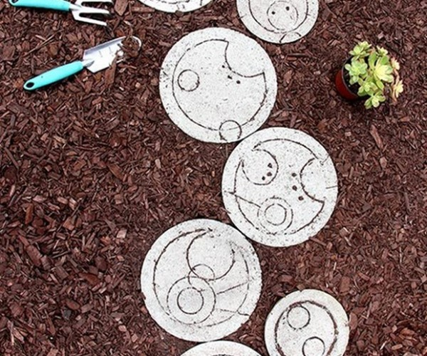 Doctor Who Stepping Stones Make Your Garden Gallifreyan