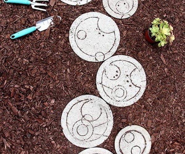 Doctor Who Stepping Stones Make Your Garden Gallifreyan