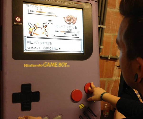 DIY Game Boy Emulator has 19″ Screen: Game Boy XXL