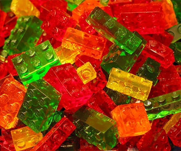 Make Your Own LEGO Brick Gummi Candies, Then Build Your Candy Kingdom