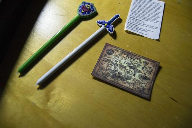 legend_of_zelda_adventurer_pouch_nintendo_3ds_ds_powera_by_microcrash_2