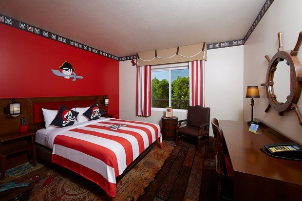 Mega lego hotel opens in florida for Man u bedroom stuff