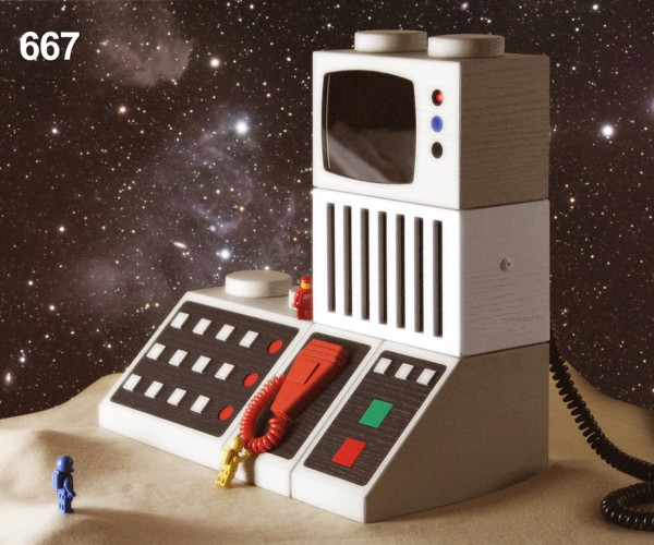 Life-size Classic LEGO Gadgets: The Brix System
