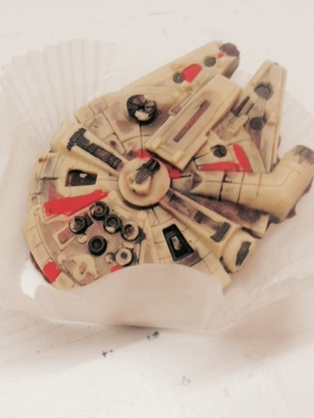 millenium_falcon_x_wing_chocolate_by_jon_good_chocolates_2