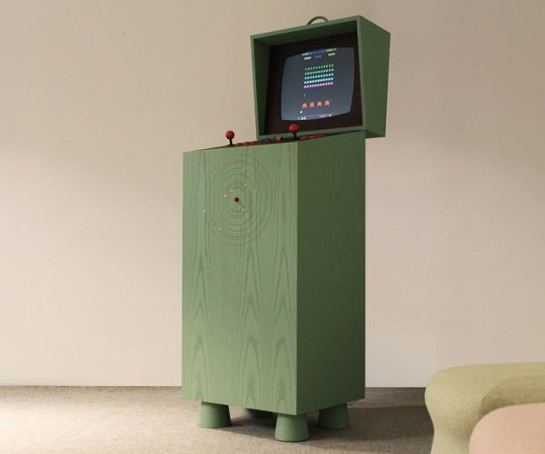 Retro-futuristic Arcade Cabinet: Pixelkabinett 42