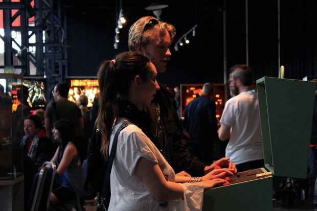 pixelkabinett_42_arcade_cabinet_by_love_hulten_9