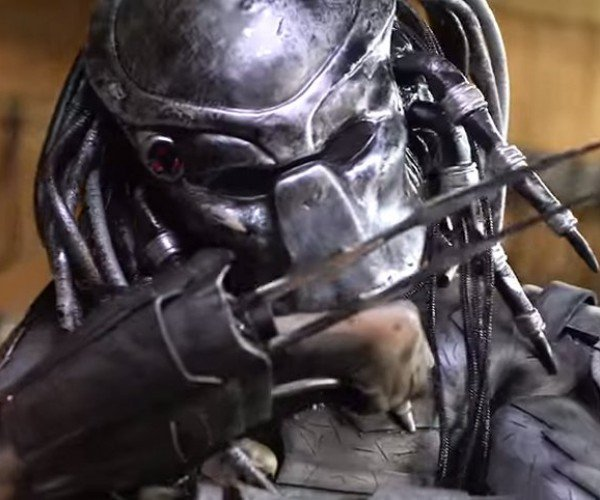 Predator's Wrist Blades Forged in Real Life